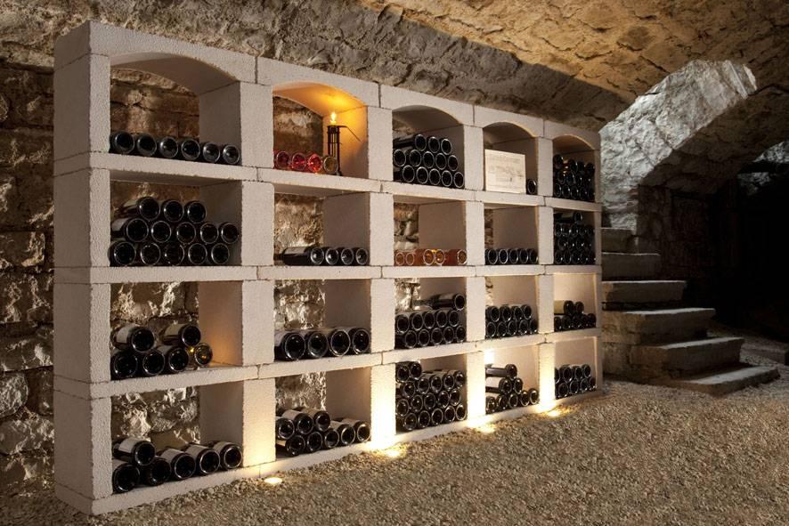Casiers à bouteilles en pierre reconstituée